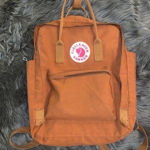 Fjallraven Kanken   Rust orange color